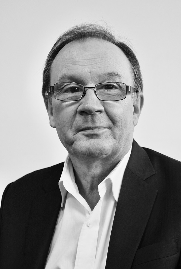 Dr Les Buczynski